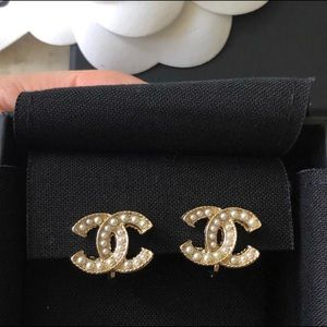 Chanel CC Logo Pearl Clip Earrings